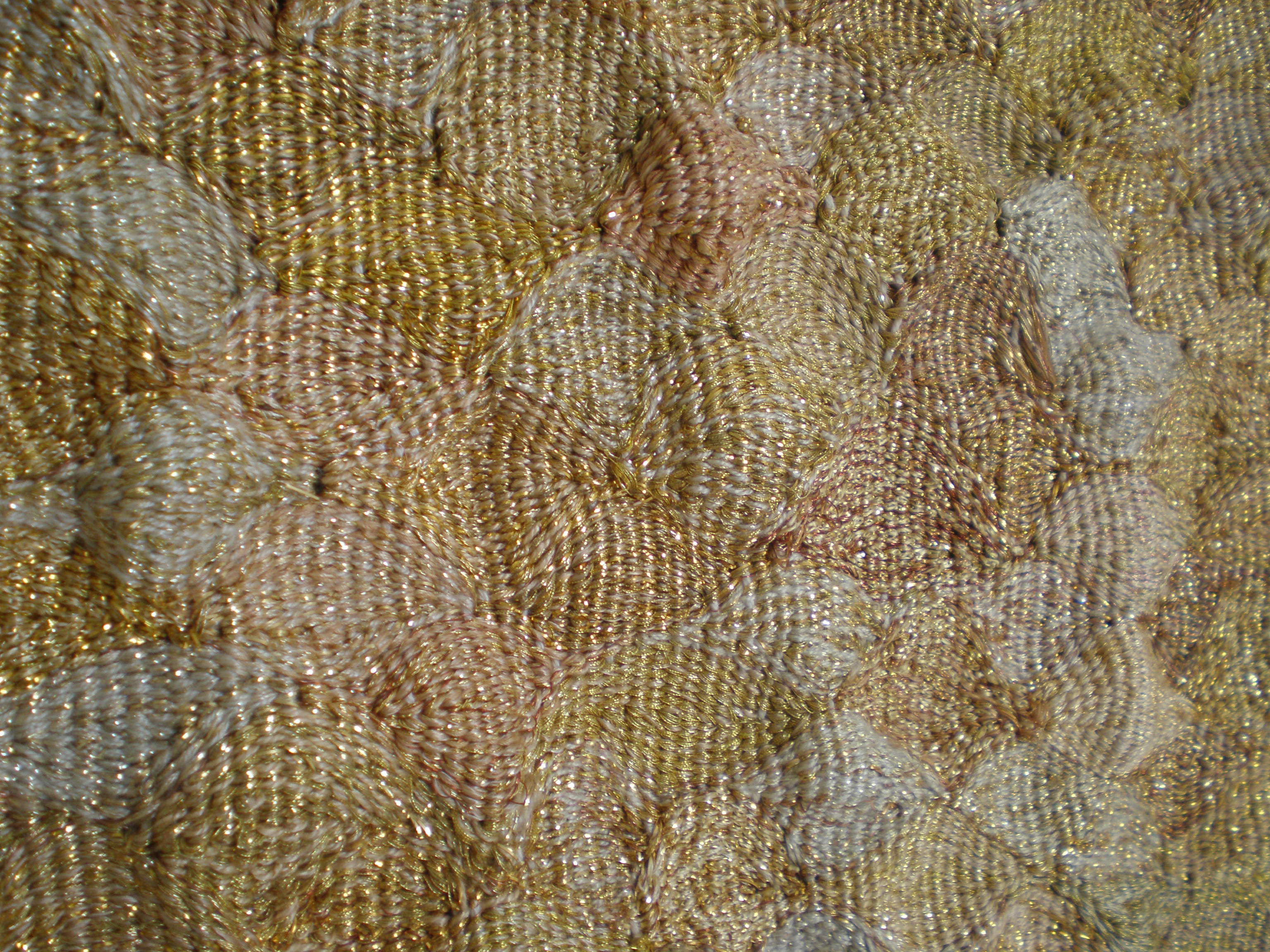 A 'Gold' undulating surface