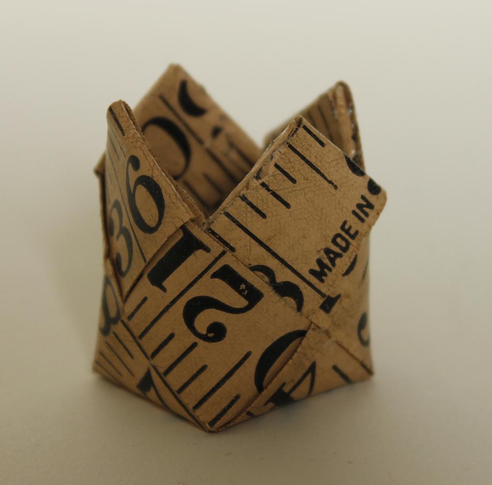 Small tape measure basket