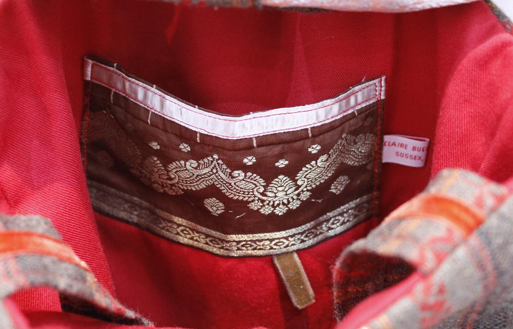 Shoulder bag inside pocket detail